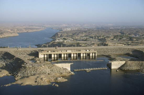 Aswan high dam.jpg
